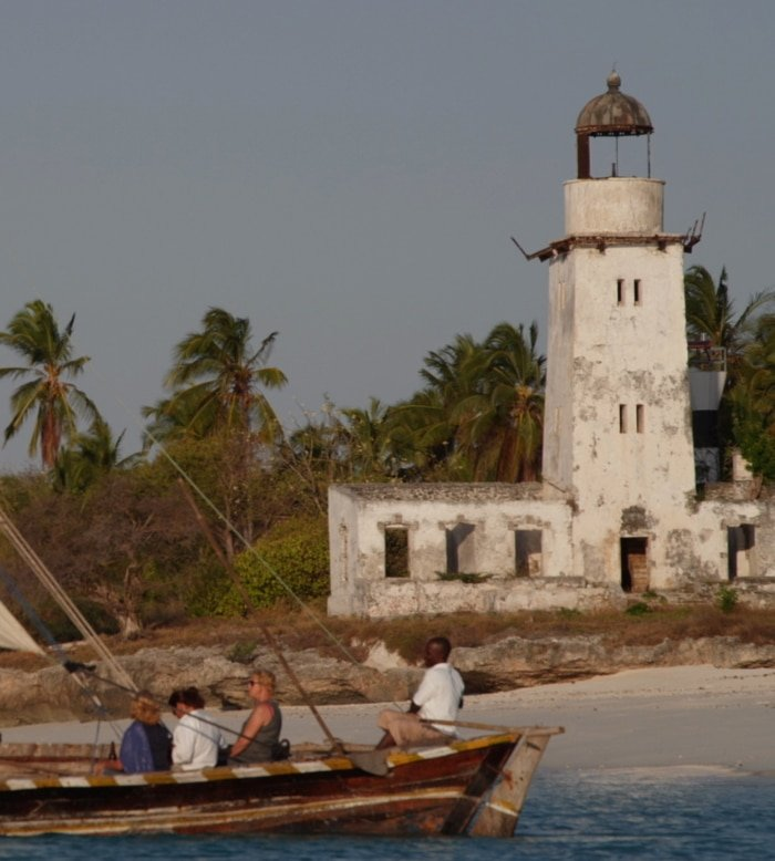 Sailing on a Traditional Dhow 6