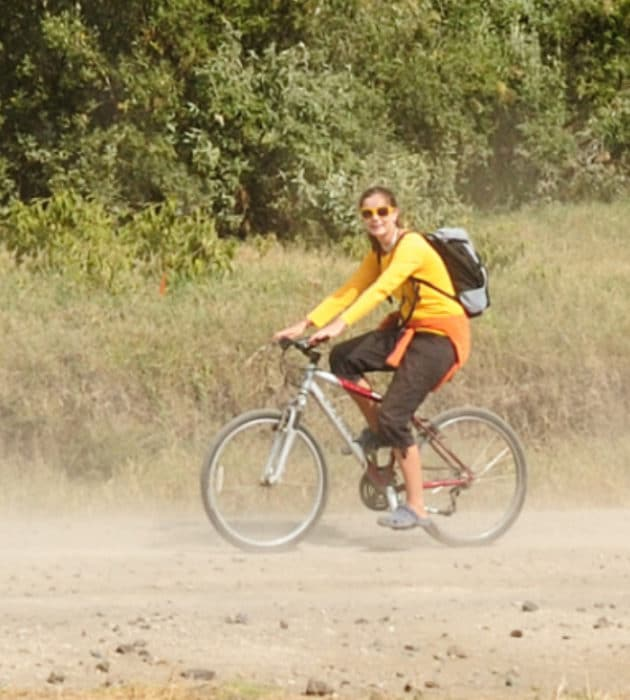 Cycle in Hell's Gate National Park 4