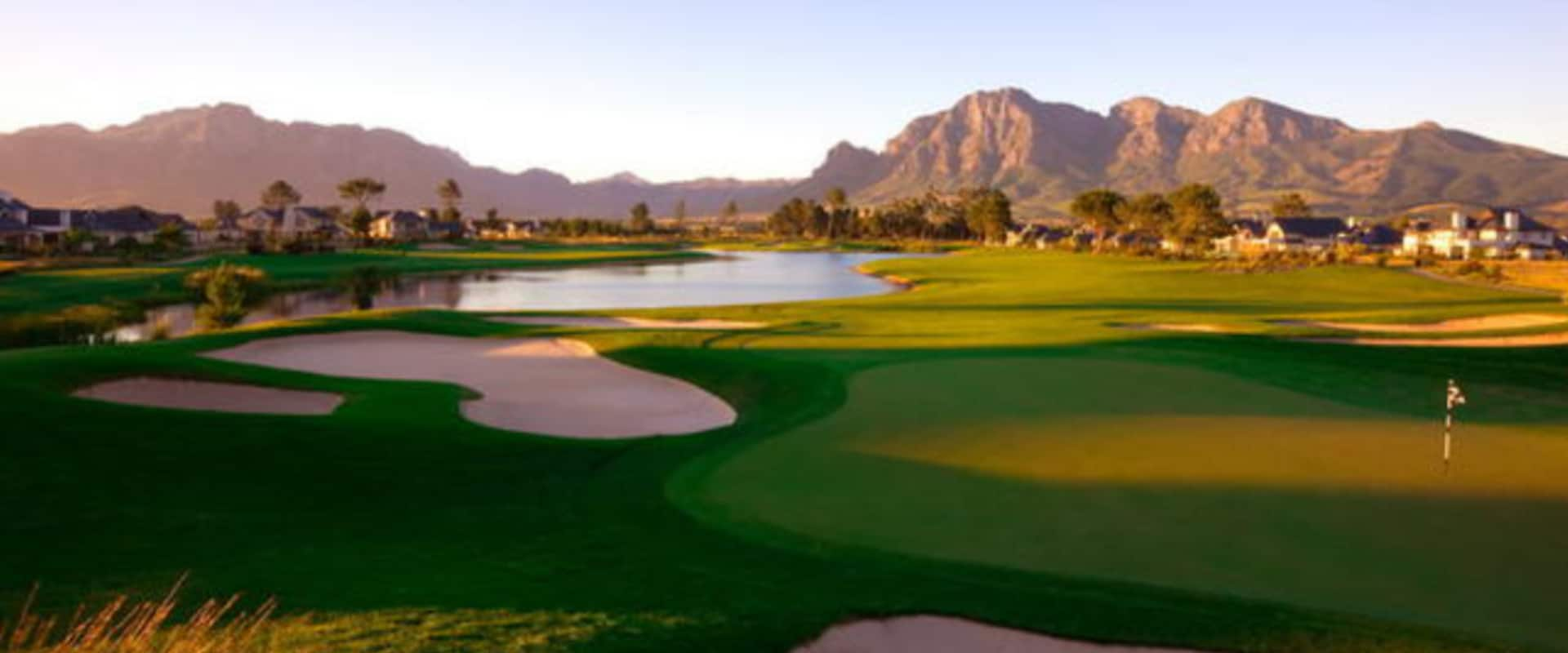 Golf at Pearl Valley Golf Course