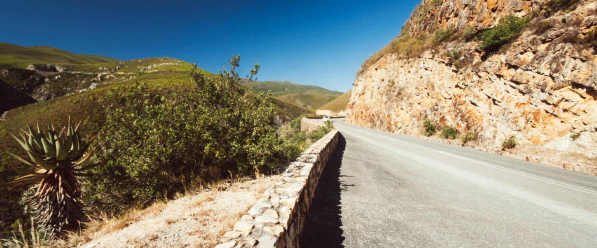 Meander through the Tradouw Pass