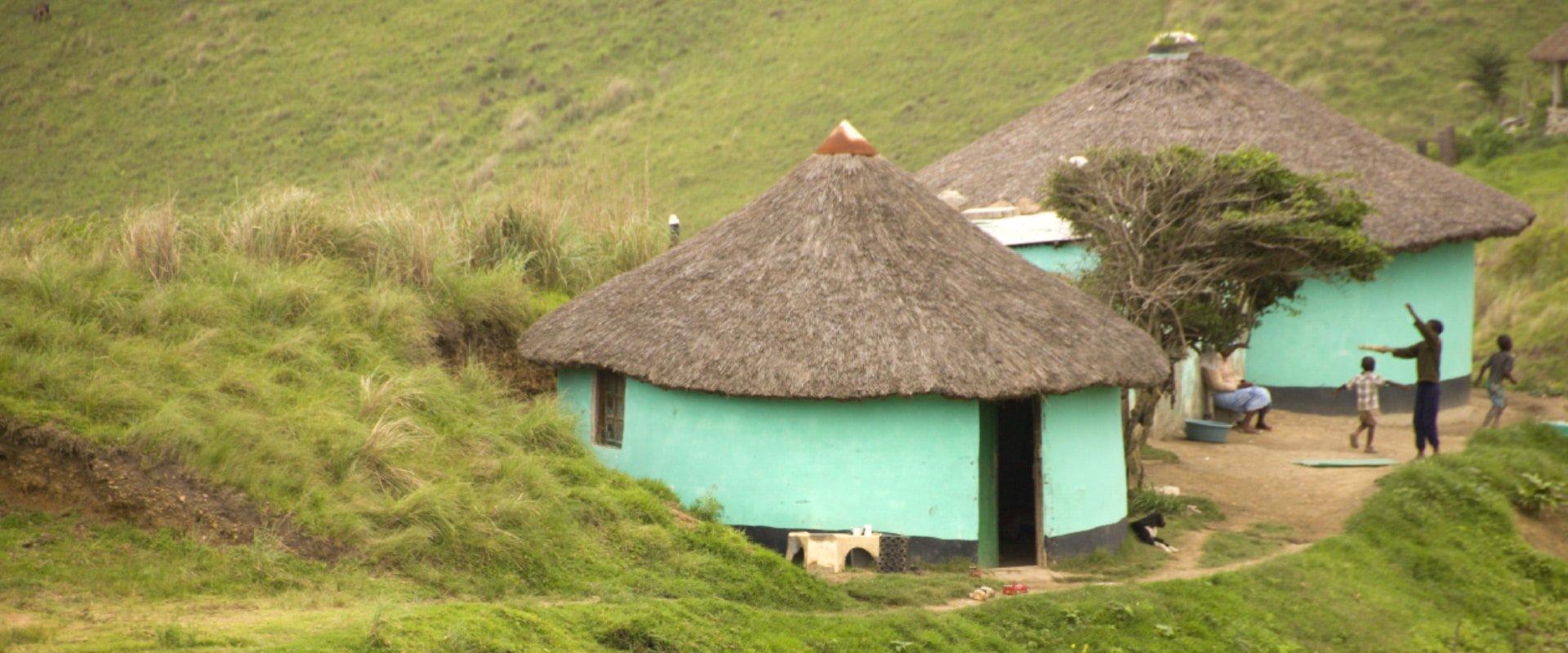 Visit the local Pondo village